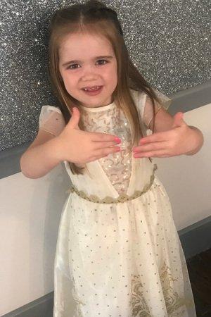 Glitter-nails-for-children-at-La-Suite-Beaty-Salon-in-Corbridge