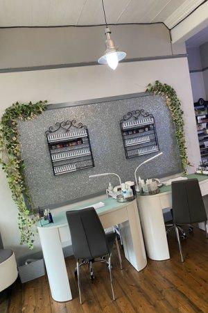 Nails-area-at-La-Suite-Beauty-Salon-in-Corbridge-Northumberland